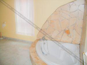 Vivienda B baño con bañera de esquina